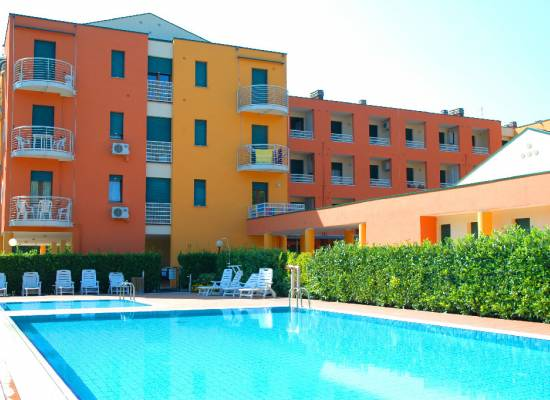 Appartamento in vendita Jesolo - Two-room apartments in residence with swimming pool and sea view in Cavallino, Viale Tevere